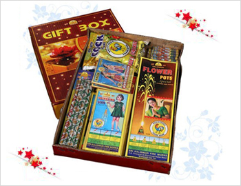 Crackers Gift Box: Gift your loved ones on this Diwali this special gift box of approx 15 varieties of crackers