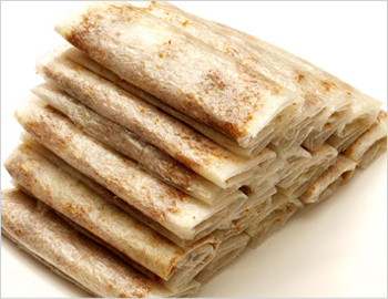 Putarekalu: A hot favorite of Andhraites. This very special and traditional sweet just melts in ones mouth in seconds. It is popularly called paper sweet by children.